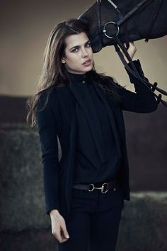 Royal Equestrian to feature the Horse bit design. Charlotte Casiraghi for Gucc - Gucci Pants - Ideas of Gucci Pants - Royal Equestrian to feature the Horse bit design. Charlotte Casiraghi for Gucci Grace Kelly, Patricia Kelly, Charlotte Casiraghi, Equestrian Chic, Equestrian Outfits, Equestrian Fashion, Mode Chic, Mode Style, Estilo Cowgirl