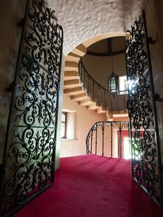Staircase Unique Wrought Iron Staircase Design, Pictures, Remodel, Decor and Ideas - page 59 Wrought Iron Staircase, Spiral Staircase, Staircase Design, Atlanta Homes, Tudor Style, Decoration, Sweet Home, Stairs, Mansions