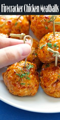 Croquettes of ham with Espelette pepper - Clean Eating Snacks Chicken Meatball Recipes, Chicken Appetizers, Ground Chicken Recipes, Healthy Chicken Recipes, Appetizer Recipes, Ground Chicken Meatballs, Spicy Meatballs, Spicy Meatball Sauce, Making Meatballs