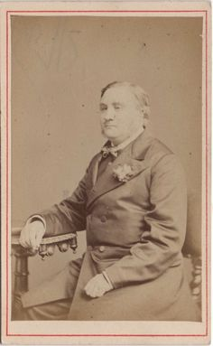 CDV photo of a victorian Man taken in London around early 1870s by the London Stereoscopic Co. studio located at 54 Cheapside.