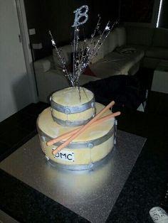 Birthday cake, drum cake,