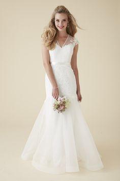 Astrid & Mercedes Aurora wedding dress