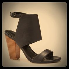 LOFT Stacked Leather Heels Stacked Leather Heels bnwt bnwb gorgeous, sexy year round! Loft. Sold out. Absolutely no returns. Og price $90 + tax plus shipping. LOFT Shoes Heels