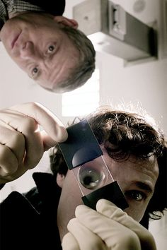 "ahhahahahahhahahahahahahhahahahahahahhahahahahahahahha Me: ""My Sherlock What a BIG EYE you have!"" Sherlock: ""The Better to Deduce you with My Dear!"" John:""I need Jam now and you were taking it to your Grandma in the woods. Sherlock Holmes Bbc, Sherlock John, Funny Sherlock, Martin Freeman, Mrs Hudson, Sherlolly, Benedict Cumberbatch Sherlock, 221b Baker Street, John Watson"