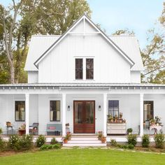 Step Inside One of the Prettiest Country Farmhouses We've Ever Seen (Modified Four Gables plan)