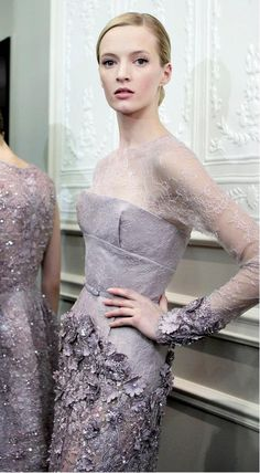 Elie Saab Haute Couture Spring 2013 ima cry :,( to gorgeous Elie Saab Couture, Dior Couture, Couture Fashion, Runway Fashion, High Fashion, Fashion Show, Grey Fashion, Paris Fashion, Fashion Trends