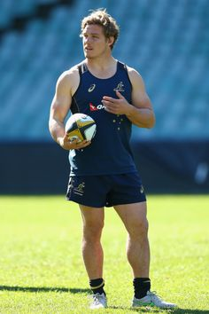 Michael Hooper Photos - Michael Hooper of the Wallabies looks on during the Australian Wallabies captain's run at ANZ Stadium on August 2015 in Sydney, Australia. - Australia Captain's Run Rugby Sport, Rugby Men, Sport Man, Michael Hooper, Hot Rugby Players, Athletic Men, Athletic Supporter, Cool Hairstyles For Men, Sports Celebrities