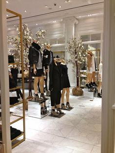 army either side of walkway - club monaco store design - Google Search