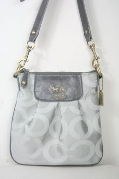 Coach satchel. I want thisssss, but in tan.