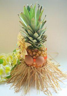 "Image detail for -Centerpieces - ""Pineapple Hula Girl"" super cute! Aloha Party, Hawaiian Luau Party, Hawaiian Theme, Tiki Party, Tropical Party, Bbq Party, Hawaiian Names, Hawaiian Centerpieces, Pineapple Centerpiece"