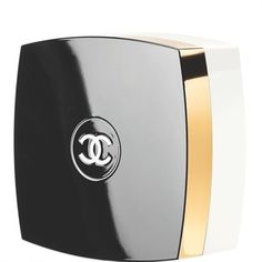 CHANEL - N5 THE POWDER The now and forever fragrance, expressed in a sheer, silky powder. Subtly infused with the timeless, feminine scent, the powder veils skin with a luminous finish.  More about #Chanel on http://www.chanel.com