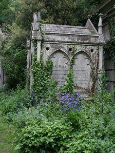 — dansemacabre-: Highgate Cemetery by Jon Bennett Cemetery Monuments, Cemetery Statues, Cemetery Headstones, Old Cemeteries, Cemetery Art, Graveyards, Angel Statues, Highgate Cemetery London, After Life