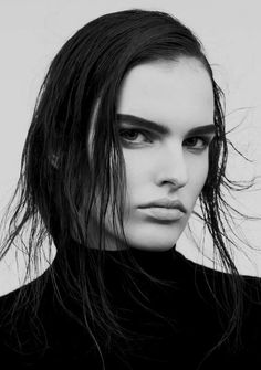 Beauty // eyebrows, contouring, makeup, black and white portrait