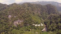 Reserva Natural Rio Claro - #Antioquia #Colombia desde el Aire (Drone from above vue du ciel) Aventure Colombia More information on our packages at : http://ift.tt/1iqhKT8