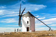 'Windmühle in Kastilien-La Mancha' von Dirk h. Wendt bei artflakes.com als Poster oder Kunstdruck $23.37