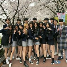 Read from the story Korean_Ullzang by Kiwiable_ with reads. Korean Best Friends, Boy And Girl Best Friends, Cute Friends, Ulzzang Korean Girl, Cute Korean Girl, Asian Girl, Ulzzang Style, Ulzzang Couple, Korean Aesthetic