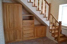 Мебельное ателье Massifs. Изготовление лестницы и шкафов в одном стиле.