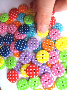 Buttons Spotty Droplets x80 Bright 15mm 1.5cm 0.55inch