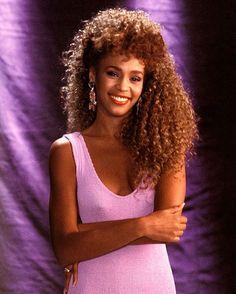 Whitney Houston, Pure Hair Epicness … #80shair #80sfashion #80sstyle #80sicon…