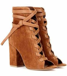 Gianvito Rossi Brooklyn Suede Ankle Boots as seen on Rosie Huntington-Whiteley Short Brown Boots, Short Heel Boots, Brown Heeled Boots, Brown Suede Boots, Brown Booties, Brown Heels, Suede Ankle Boots, Suede Booties, Ankle Booties
