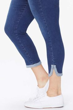 Ami Skinny Ankle Jeans In Plus Size Source by teetypie Jeans Denim Fashion, Fashion Pants, Kids Clothing Brands List, Jeans Refashion, Girls Dresses Sewing, Cool Shirt Designs, Fashion Illustration Dresses, Denim Crafts, Stylish Shirts