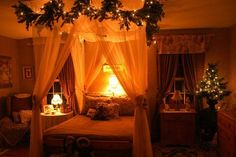 great christmas decorations | ... Decorating Ideas 2013 300x199 Christmas Bedroom Decorating Ideas 2013