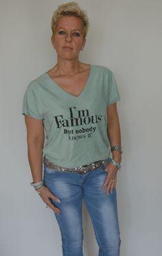 Top Famous met een suede look! Zit heerlijk en is te bestellen op www.hipmoments.nl. #famous #fashion #suedelook