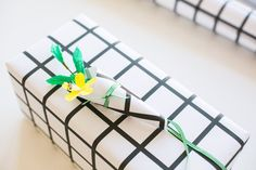 Hello everyone, are you ready for some gift wrap inspiration for Spring? I really enjoyed putting together this post for you about gift wrap ideas for your upcoming celebrations. My fingers are crosse Christmas Gift Tags, Christmas Wrapping, Creative Gifts, Unique Gifts, Teenage Boy Birthday, Packing, Gift Labels, Pretty Cards, Little Gifts
