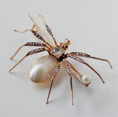 Pearl and Diamond Spider Brooch//