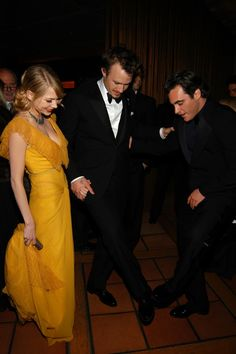 Michelle Williams, Heath Ledger & Joaquin Phoenix - Oscars after-party, March 5th 2006    I'm not sure what Heath & Joaquin are doing here, but I know it's adorable!