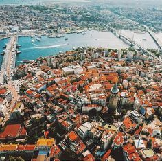 We LOVE the amazing sweet chaos that is Istanbul ! Beautiful World, Beautiful Places, Turkey Country, Magic City, Hagia Sophia, Turkey Travel, Antalya, Luxury Travel, Places To Travel