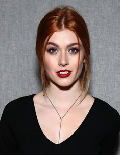 Katherine McNamara Photos - Katherine McNamara attends the Milly show during New York Fashion Week on February 2017 in New York City. - Milly - Front Row - February 2017 - New York Fashion Week Katherine Mcnamara, Le Rosey, Scarlett, Redhead Girl, Strawberry Blonde, Beautiful Redhead, Beauty Women, Redheads, Hair Makeup