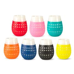Take your vino to go in a shatter-resistant wine glass with spill-proof lid and houndstooth patterned grip sleeve. They're perfect for picnics, camping, or a day at the beach!