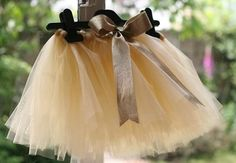 How to make a tutu with an elastic waistband out of gorgeous shimmery tulle. Fabulous homemade gift idea for toddlers and young girls.