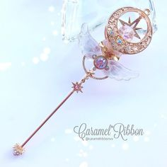 Kawaii Jewelry, Kawaii Accessories, Cute Jewelry, Anime Weapons, Fantasy Weapons, Fantasy Jewelry, Fantasy Art, Magical Jewelry, Weapon Concept Art
