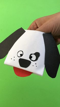Paper Dog Hand Puppet - Red Ted Art - - Easy peasy and oh so fun Paper Dog Hand Puppet. Love how quick and easy these paper hand puppets are to make! Great Dog Craft for Kids. Easy and quick. Felt Puppets, Puppets For Kids, Paper Puppets, Hand Crafts For Kids, Easy Art For Kids, Kids Diy, Origami Dog, Origami Easy, Puppy Crafts