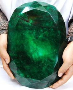 Need something green for St Patrick's Day? 11.5-kg emerald up for auction in Kelowna - British Columbia!
