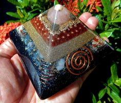 Orgone Pyramid Rose Quartz Pyrite Crystals Energy Black Sun Orgonite