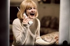 To keep Drew Barrymore looking scared and crying, Scream director Wes Craven kept telling her real life stories about animal cruelty. 22 Facts About Teen Movies That Will Blow Your Mind Scream Tv Series, Scream Movie, Teen Movies, Iconic Movies, Imdb Movies, 2015 Movies, Creepy Movies, Horror Movies, Slasher Movies