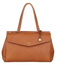 Madison Tote Handtassen Fiorelli. Een wat grotere handtas. In de kleuren Tan, zwart en zwart/wit. (€89,00)