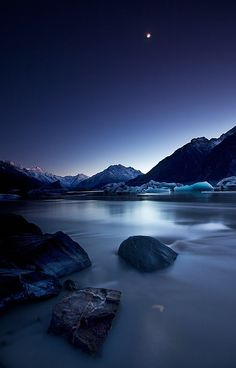Moonlight | This photo was taken in Tasman River, Mount Cook… | Flickr