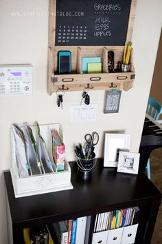 How to Make the perfect family command center for your home! Here are some helpful tips and 10 creative command center ideas! Small Space Organization, Home Office Organization, Office Storage, Cube Storage, Storage Organization, Desk Storage, Organized Office, Kitchen Storage, Storage Ideas
