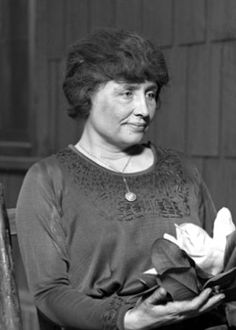 Hellen Keller (1880-1968)