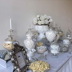 Wedding+Candy+Buffet+in+White+and+Silver