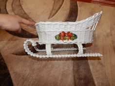 Фотографии Плетение из газет | 43 альбома Christmas Time, Christmas Crafts, Holiday, Christmas Ideas, Diy And Crafts, Crochet Necklace, Newspaper, Places, Journaling
