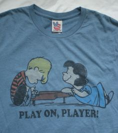 """Junk Food """"PLAY ON, PLAYER!"""" Peanuts vintage comic t-shirt Schroeder & Lucy piano music love"""