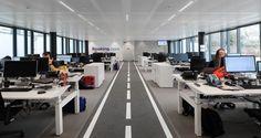 Open space dans les bureaux de Booking.com à Bruxelles, Belgique