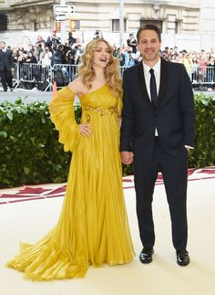 Blake Lively Arrives in Versace to the Met Gala 2018