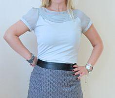 Grey shirt | Dana loves fashion and music
