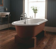 The Imperial Bentley Madera Double Ended Cast Iron Freestanding Bath features a chunky Natural Oak solid wood cradle . This bath would make a great centre point to any bathroom. Big Bathrooms, Beautiful Bathrooms, Bathroom Bath, Bath Shower, Bathroom Showrooms, Bathroom Interior, Imperial Bathrooms, Double Ended Bath, Cast Iron Bathtub